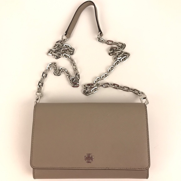 3c11298ff88e Tory Burch Robinson French Gray Crossbody Wallet. M 5adfc168b7f72bcd825356c3